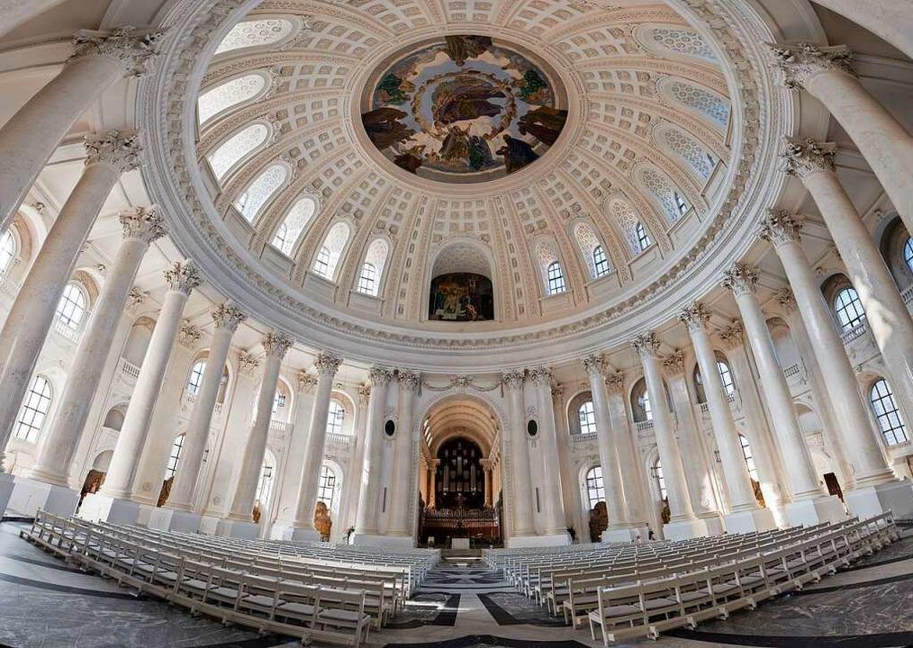 Höhe, Weite und viel Licht: Der  in de... errichtete  Kuppeldom in St. Blasien.  | Foto: Erzbischöfliches Ordinariat, Bildarchiv. Foto: Michael Eckmann