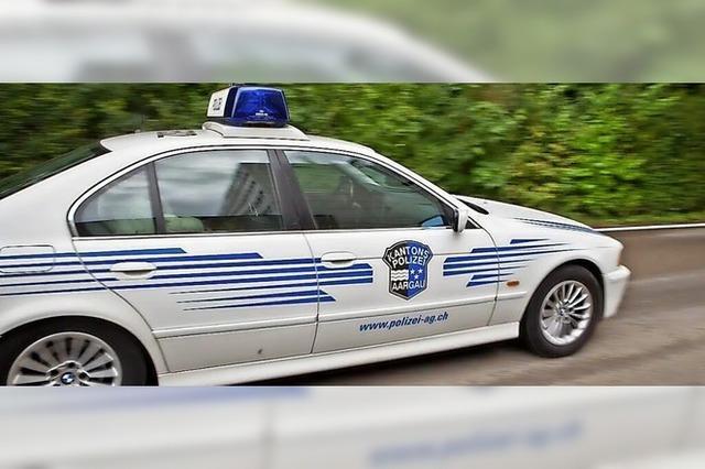Schweizer Polizei jagt Verdächtigen jenseits der Grenze