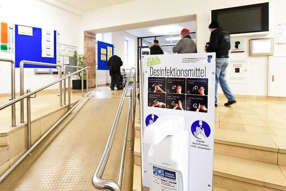 Gähnende Leere in manchen Wahllokalen: Viele Freiburgerinnen und Freiburger stimmten vorab per Briefwahl ab (Foto: Rita Eggstein)