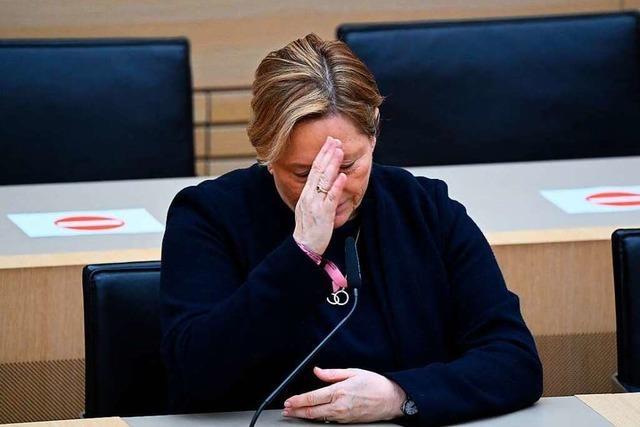 Fotos: Freude bei den Grünen, Ratlosigkeit bei der CDU