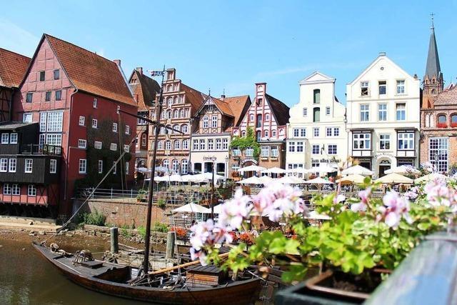 Freuen Sie sich eine sommerlich Reise nach Lüneburg!