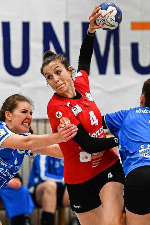 Fünf Würfe, fünf Treffer: Christiane B...orschützin für die HSG gegen Rödertal.  | Foto: Achim Keller