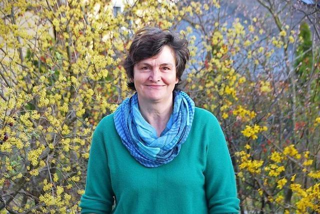 Veronika Blümel :