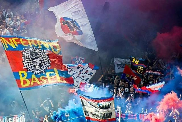 Fans des FC Basel machen Protestkundgebung zur Party