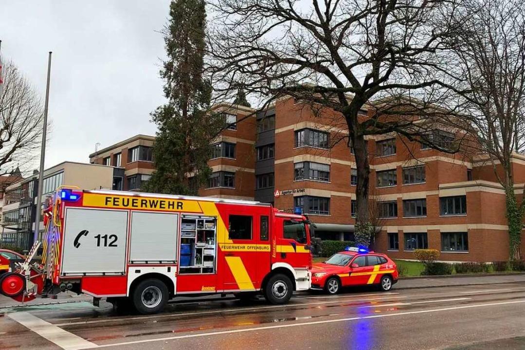 Morgens um 9 Uhr wurde die Feuerwehr z...rbeit an der WEingartenstraße gerufen.  | Foto: Helmut Seller