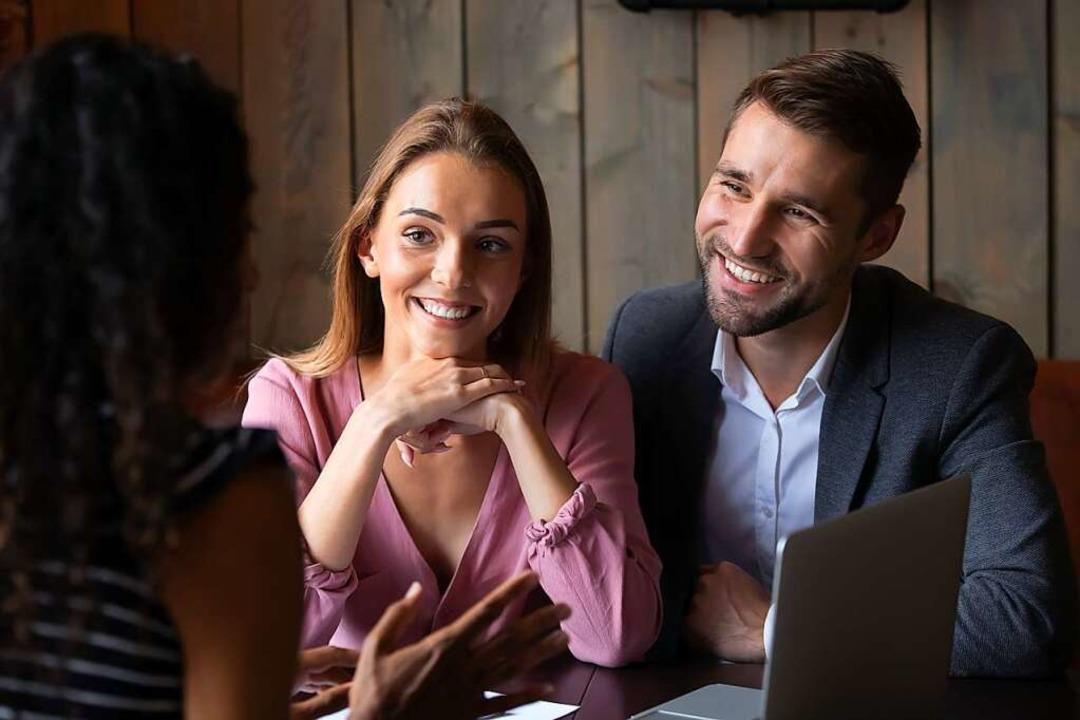 Beziehungen im Geschäftsleben untersch... nicht so sehr von privaten Kontakten.  | Foto: fizkes (stock.adobe.com)