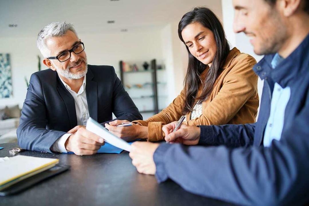 Wer als Verkäufer gut vorbereitet ist, überzeugt seine Kunden  | Foto: Goodluz (stock.adobe.com)