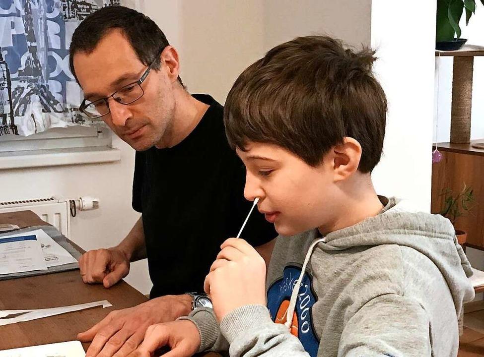 Testen ist Kinderleicht. Dieser österreichische Schüler macht es vor.    Foto: Anja Oberkofler