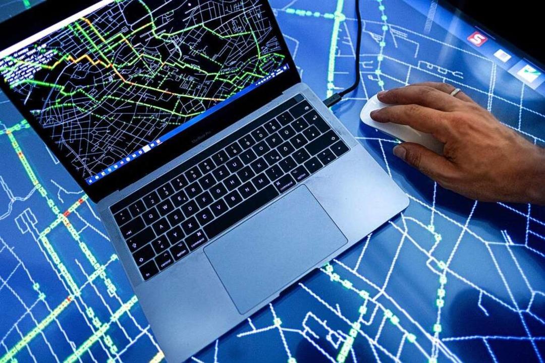 Künstliche Intelligenz kennt viele Ein...r zum Beispiel das Verkehrsmanagement.    Foto: Peter Steffen
