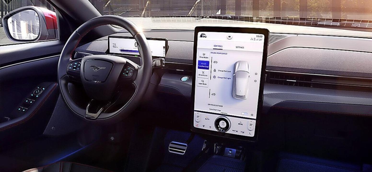 Cockpit im Stil der E-Zeit  | Foto: Ford