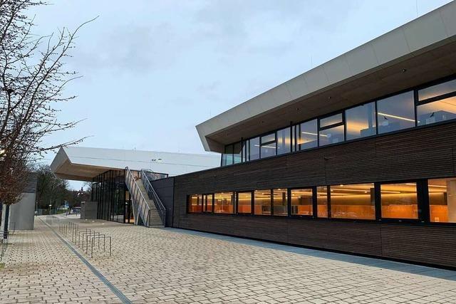 Offenburger Bad-Streit geht vor Landesarbeitsgericht wieder zurück auf Los