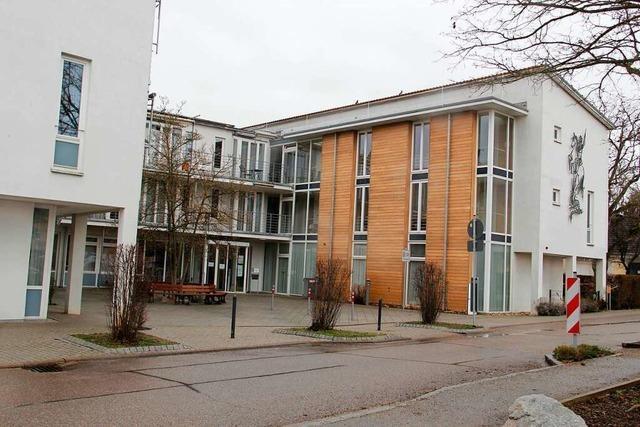 Todesfälle in Neuenburger Pflegeheim rufen Impfskeptiker auf den Plan