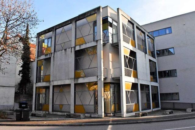 Die Lörracher Synagoge bekommt einen Zaun und schusssichere Fenster