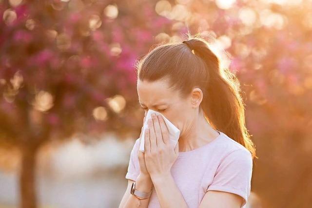Mund-Nasen-Schutz schützt Allergiker vor Pollenflug
