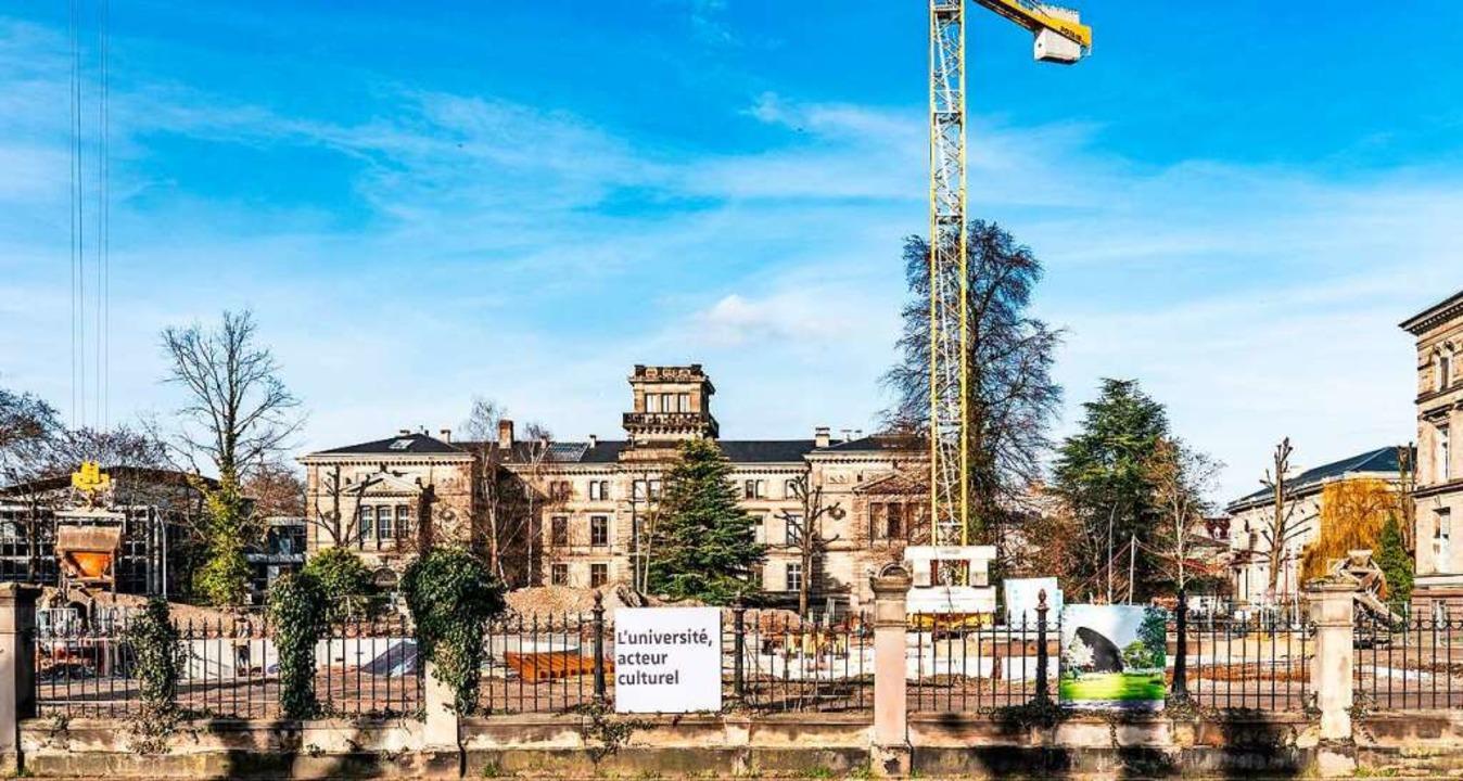 Neu neben alt: Neben diesem Gründerzei...ersität entsteht das neue Planetarium.  | Foto: Anne Telöw