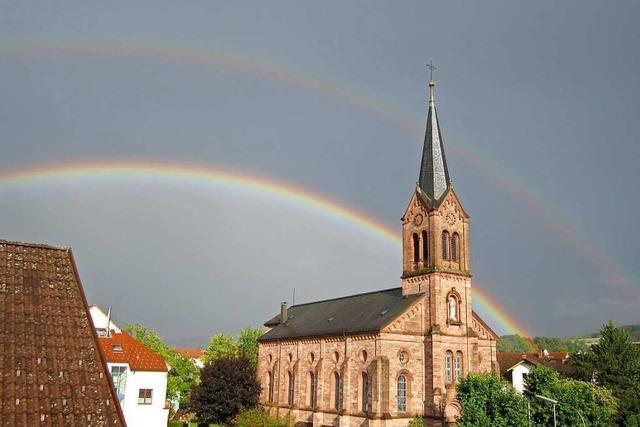 Gegenseitige Starthilfe der beiden Kirchengemeinden beim Kirchenbau
