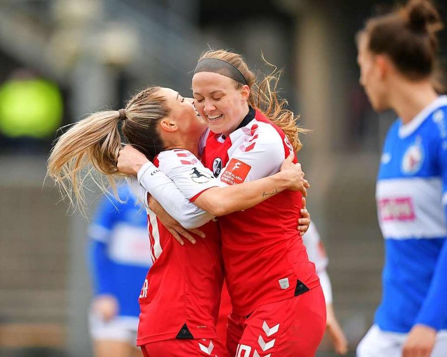 Freude pur bei den SC-Frauen  | Foto: Achim Keller