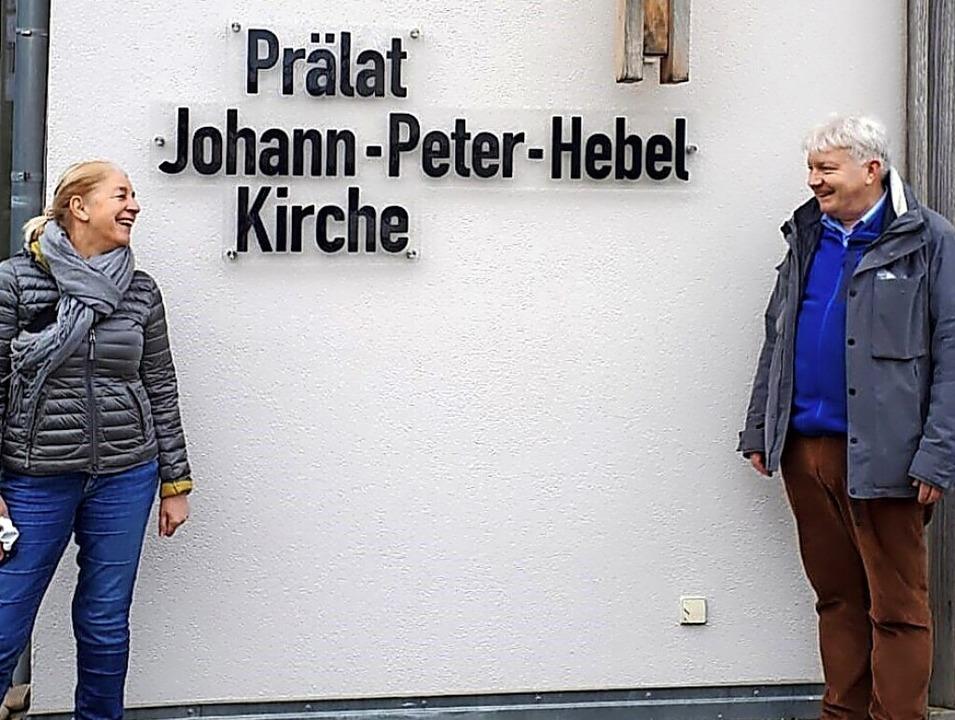 Glaskünstlerin Britta Schmidhauser und...er evangelischen Kirche in Schliengen.  | Foto: Privat