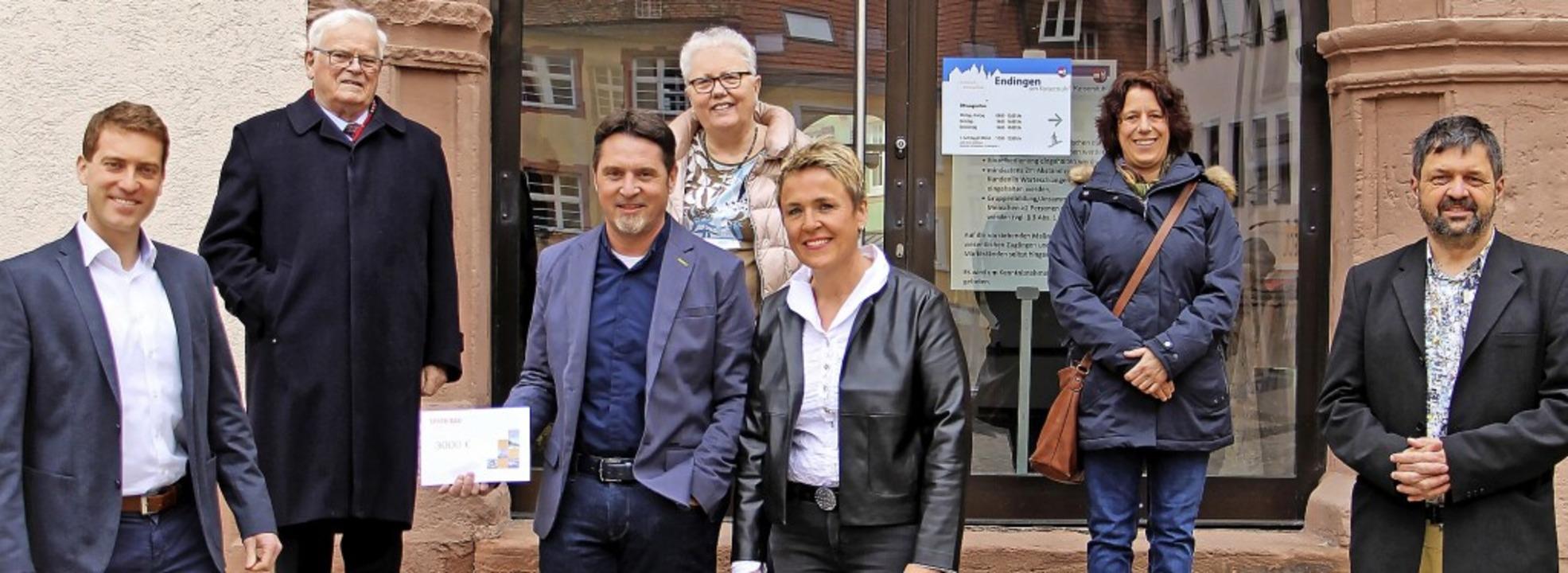 3000 Euro erhalten pflegerisch-soziale...äth, Manuela Sommer und Georg Mattes.     Foto: Ruth Seitz