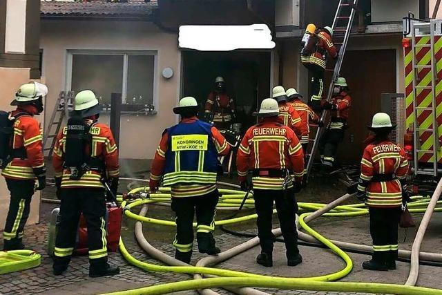 Feuerwehr Teningen im Einsatz unter Atemschutz
