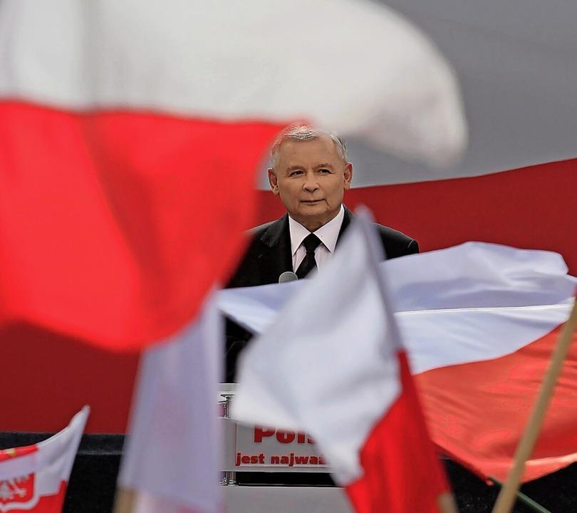 Er hat in Polen die Medien auf Parteil...er PiS-Vorsitzende Jaroslaw Kaczynski   | Foto: Pawel Supernak