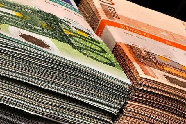 Freiburgs Finanzbürgermeister blickt besorgt auf explodierende Schulden