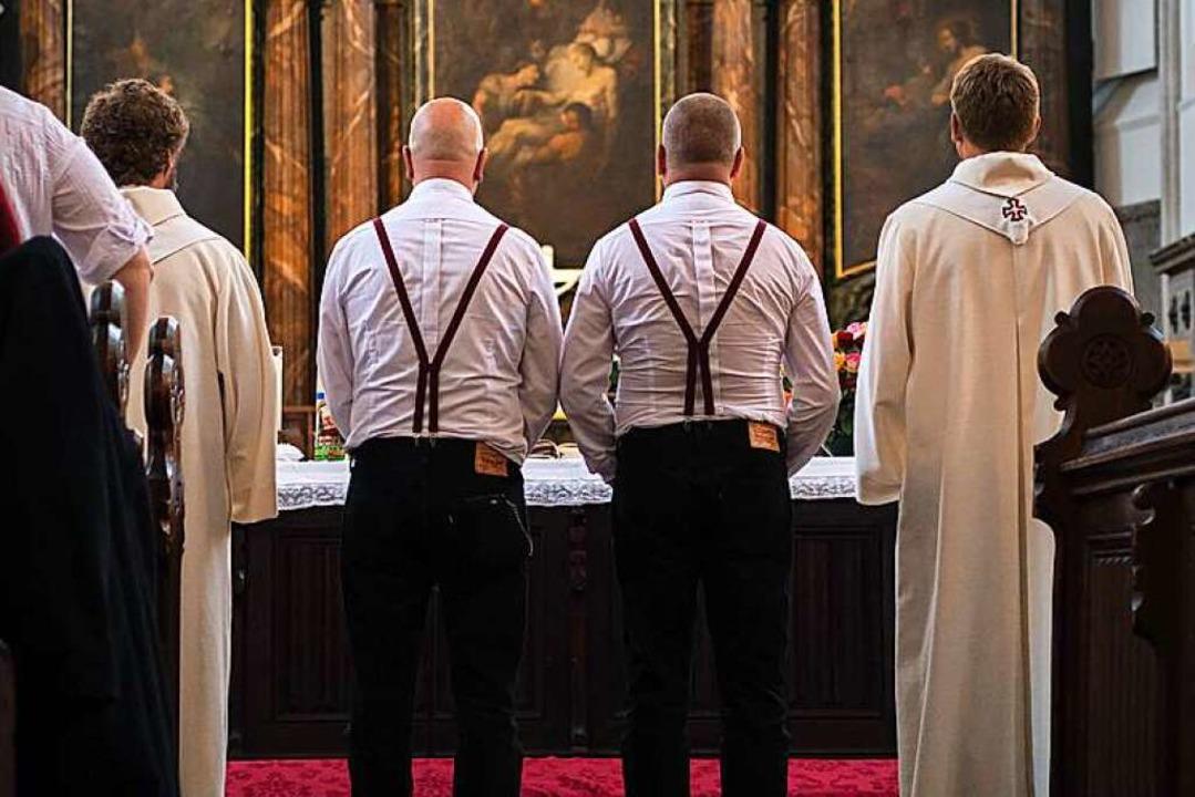 Den Segen der Kirche erhalten offiziel... ersten Homo-Trauung der Landeskirche.    Foto: Wolfram Kastl