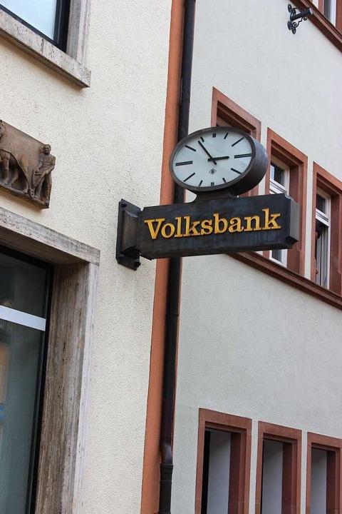 Die Volksbank gehört seit vielen Jahren zum Waldkircher Marktplatz.  | Foto: Bernd Fackler