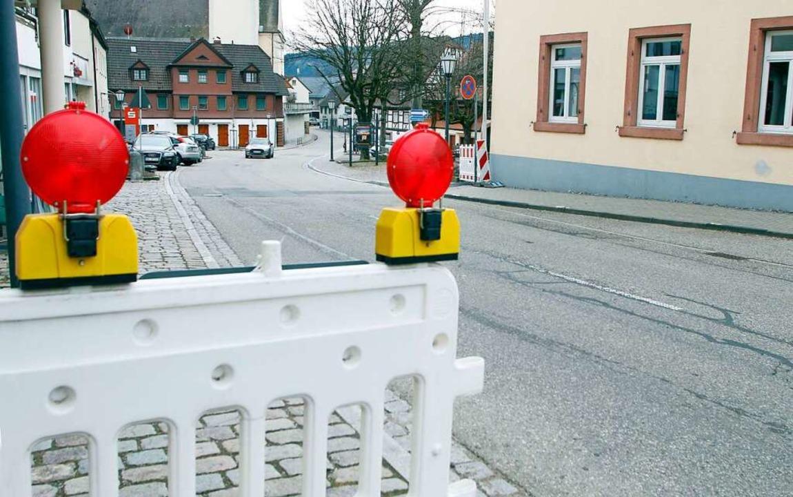 In der Ortsmitte Seelbach  beginnt mit...1 die Straßendeckensanierung der L102.    Foto: Heidi Fößel