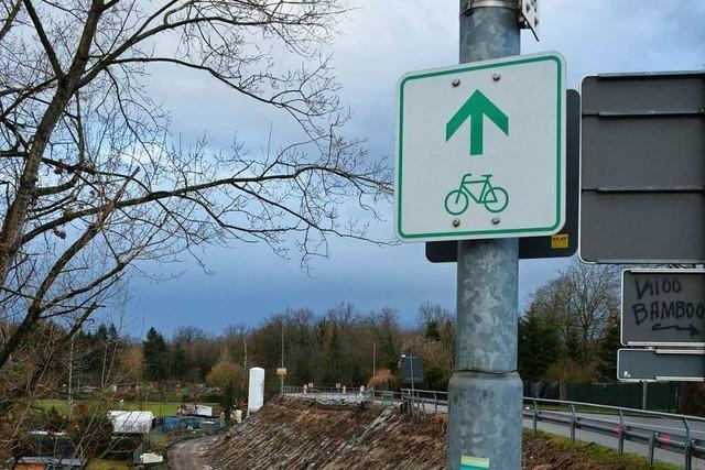 In Weil am Rhein gibt es Behinderungen an der B3 und der Zollfreien Straße