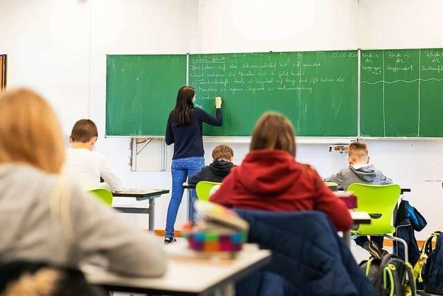 Philologen fordern wegen Lerndefiziten vier Wochenstunden mehr