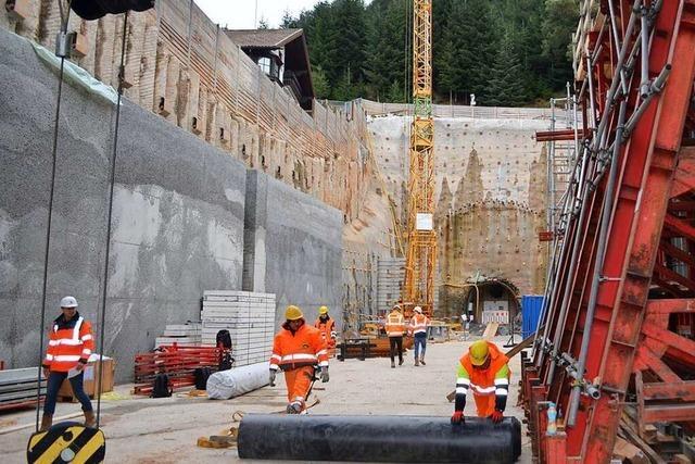 Der Vortrieb im künftigen Brandbergtunnels ist fast abgeschlossen und die Röhre hergestellt