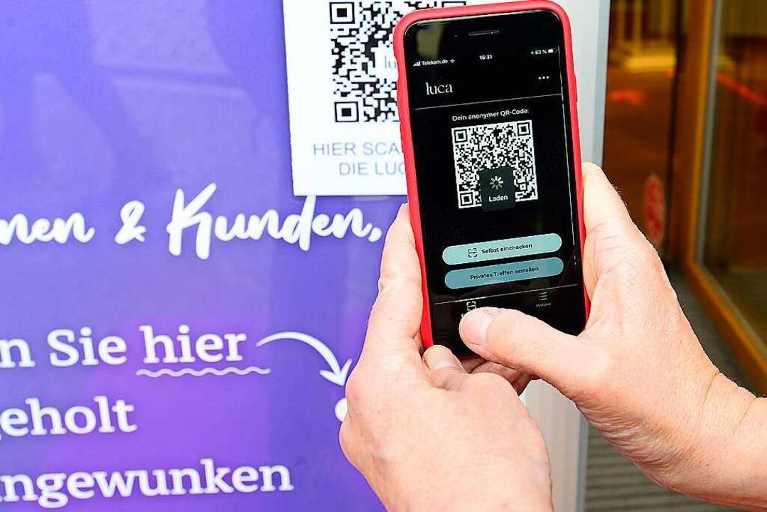 In Freiburg wird die Luca-App genutzt.  | Foto: Ingo Schneider