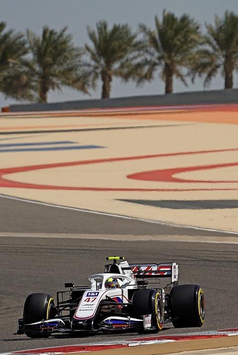 Mick Schumacher auf der Strecke in Bahrain     Foto: Hasan Bratic (dpa)