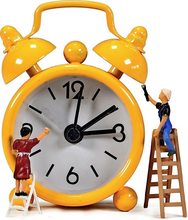 Die Uhr wird in der Nacht zum Sonntag ... Stunde  von 2 auf 3 Uhr  vorgestellt.    Foto: JeanLuc (stock.adobe.com)