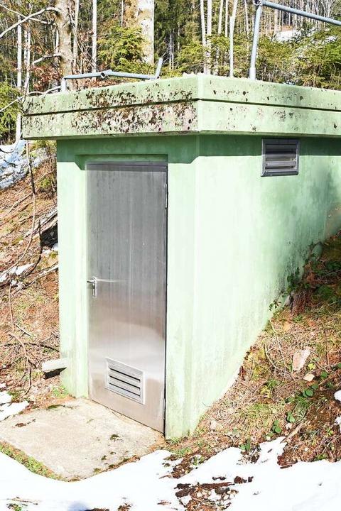 Quellen – hier die gefasste Amei...er Trinkwasserversorgung in Endenburg.  | Foto: Robert Bergmann