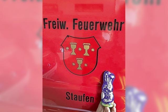Feuerwehr hilft Osterhase