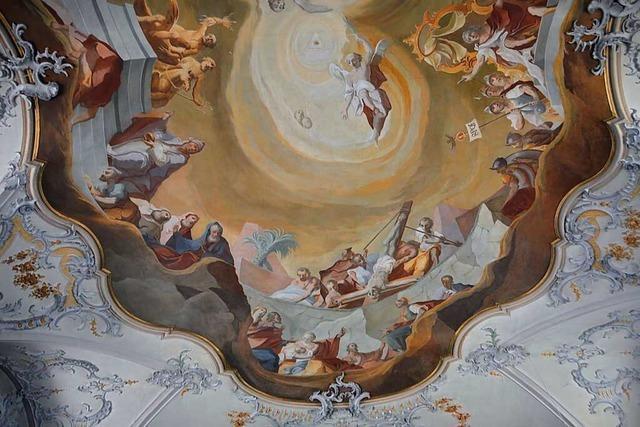 St.-Peter-und-Paul in Minseln wurde um die alte Kirche herum gebaut