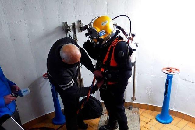 Arbeitsunfall: Taucher bekommt gesundheitliche Probleme beim Tauchgang im Tiefbrunnen