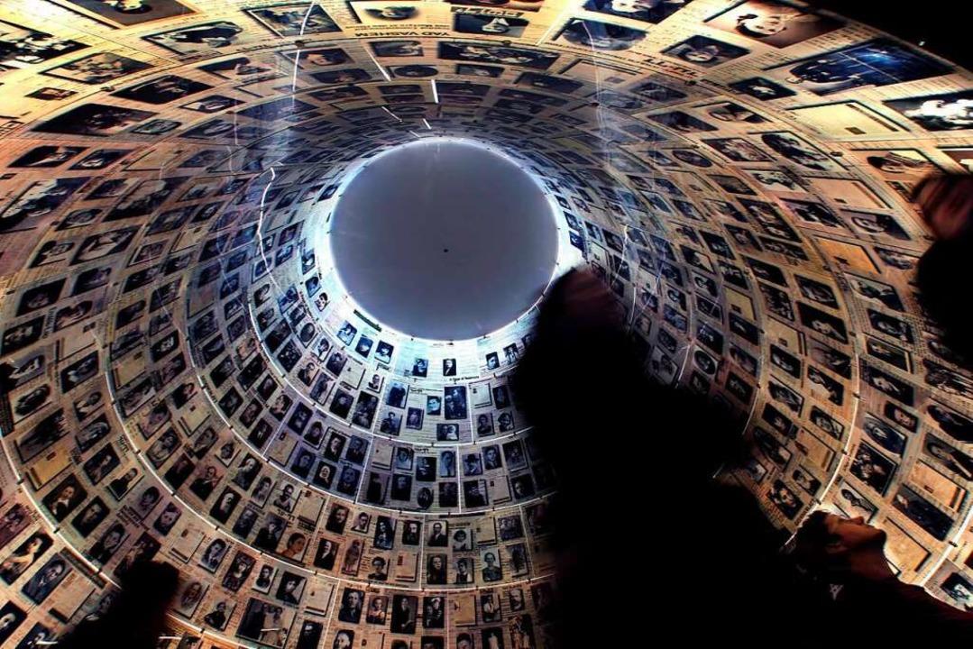 Die Halle der Namen ist das Zentrum de...Wänden der konischen Halle angebracht.  | Foto: A2800 epa HOLLANDER
