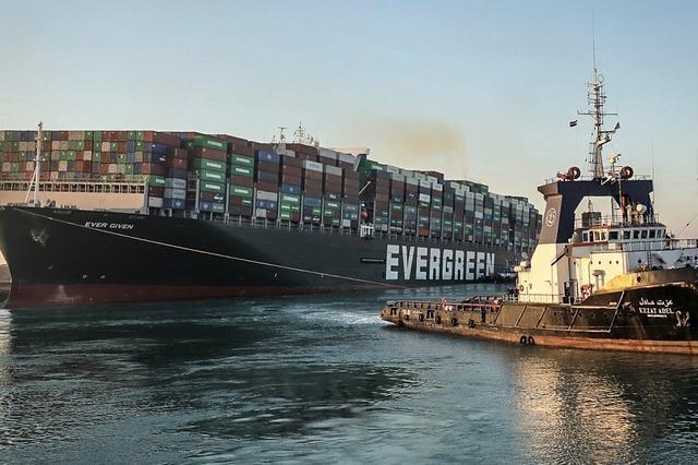 Die Ever Given ist geborgen – Schiffe können den Suez-Kanal passieren