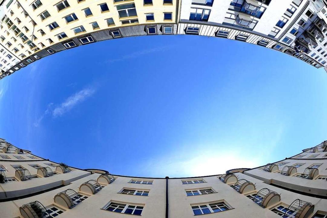 Unaufhörlich steigen die Immobilienpre...an Immobilien als reine Anlageobjekte.  | Foto: Nicolas Armer