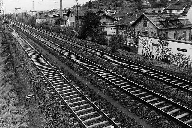 1963 mussten Beamten Bahnweichen händisch stellen