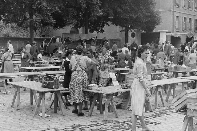 Der Emmendinger Wochenmarkt fand 193 noch vor dem Schloss statt