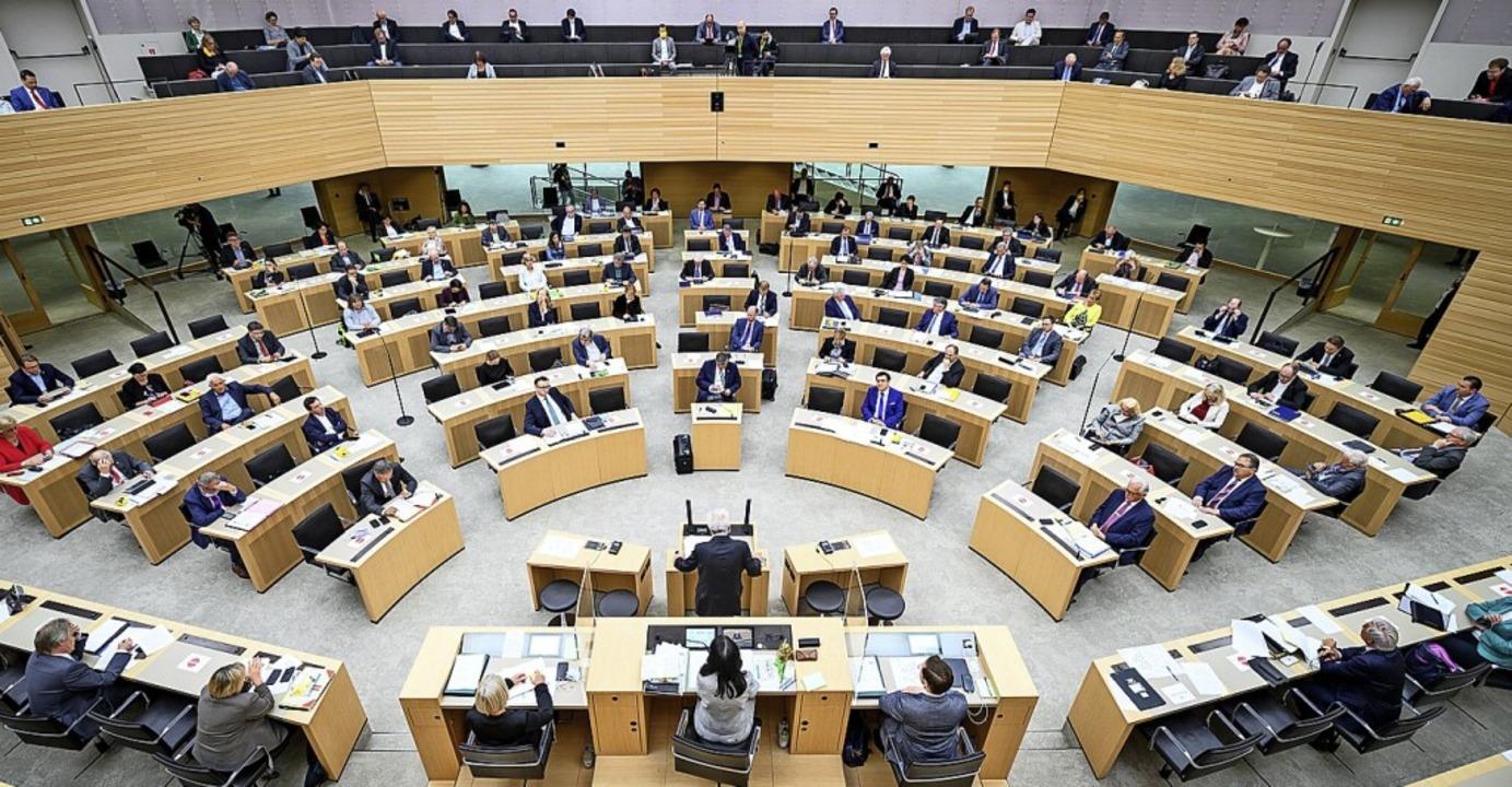 Ein Blick in den baden-württembergischen Landtag    Foto: Sebastian Gollnow (dpa)