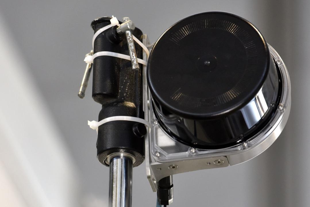 Der Sensor misst den Abstand.    Foto: Thomas Kunz