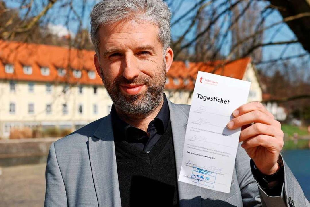 Boris Palmer  mit einem Tagesticket    Foto: YANN SCHREIBER (AFP)