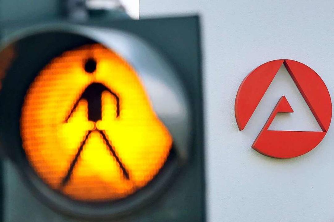 Die Arbeitslosigkeit im Kreis Lörrach ... 5,1 Prozent weiter über  fünf Prozent  | Foto: Jan Woitas (dpa)