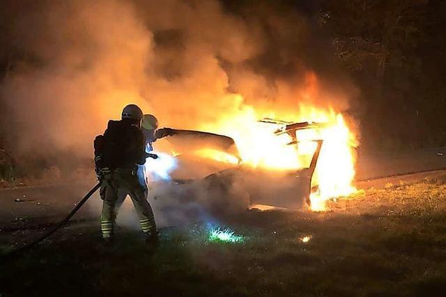 Bei Sulzburg ist ein Auto ausgebrannt – vermutlich wegen eines technischen Defekts