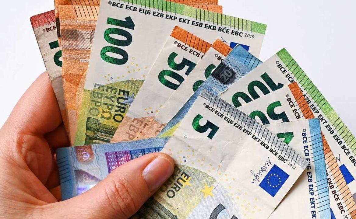 Die Kunden bringen immer mehr Geld zur Sparkasse Hochschwarzwald    Foto: Patrick Pleul (dpa)